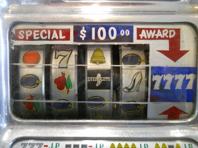 slot machines 001.JPG